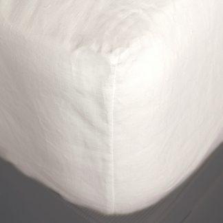 fitted-linen-sheet